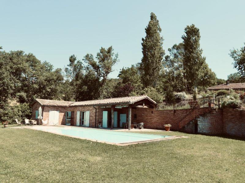 Maison dans la pente-Lafourcade
